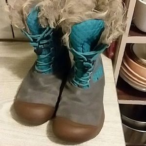 Keen winter boots youth size 3